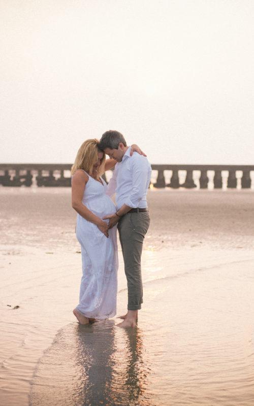 Servizio fotografico gravidanza alba spiaggia